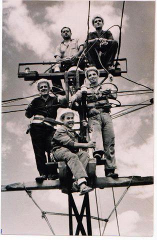 Empleados distribuidora eléctrica Laura Otero . años 50