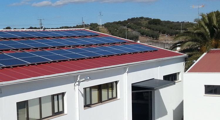 Planta solar fotovoltaíca Grupo Laura Otero